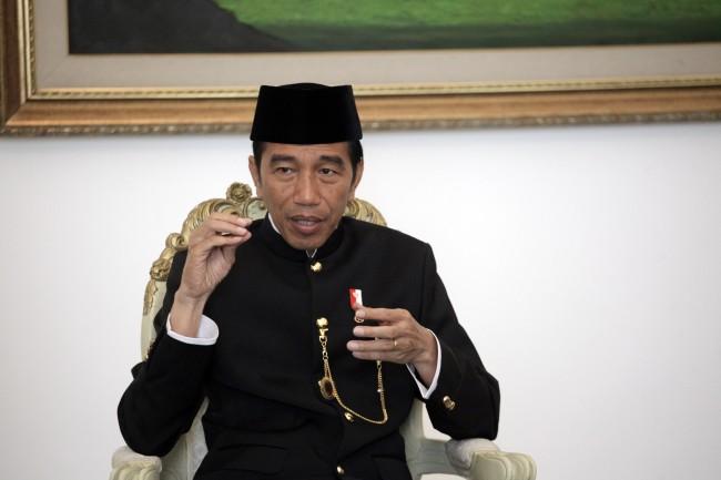 Jejakkan Kaki di Pulau Rote, Jokowi Merasa Lengkap Melihat Indonesia