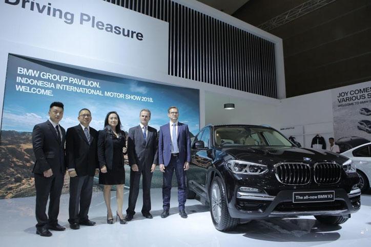 BMW Pamerkan 16 Kendaraan di IIMS 2018