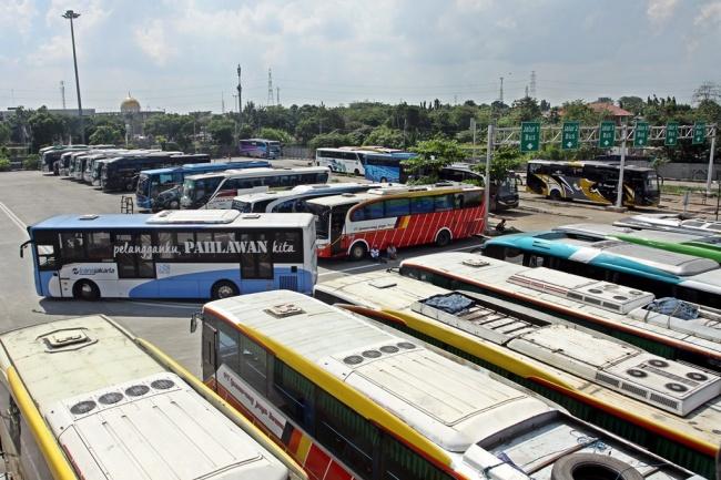 LAMPUNG POST | Pemerintah harus Tindak Bus Tak Laik yang Tetap Beroperasi