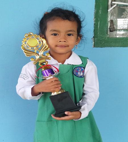 LAMPUNG POST | Nayara Asila Cahyadi Penghafal Surah Pendek