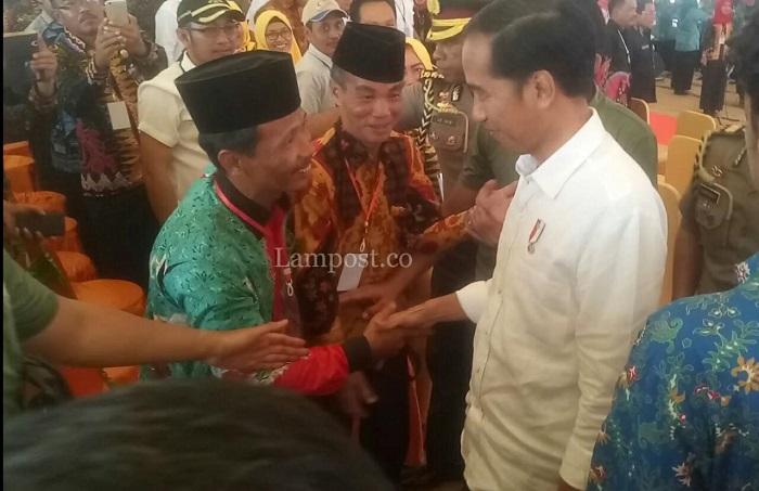 Jokowi Ajak Petani Mesuji Jual Hasil Panen Berbentuk Beras