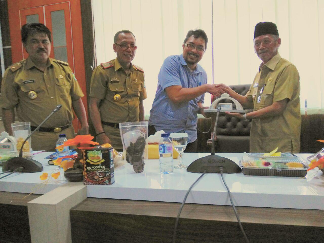LAMPUNG POST | Bank Pembangunan Islam Kunjungi Pringsewu