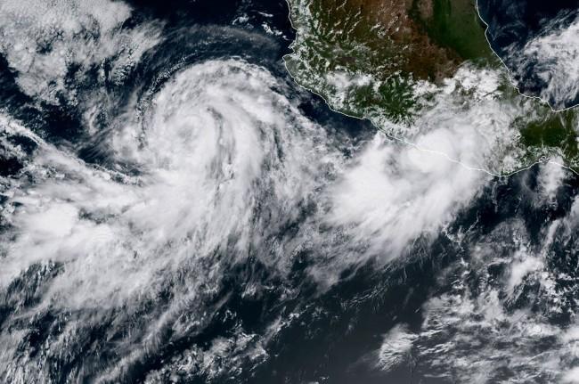 LAMPUNG POST | Badai Tropis Norma Ancam Meksiko
