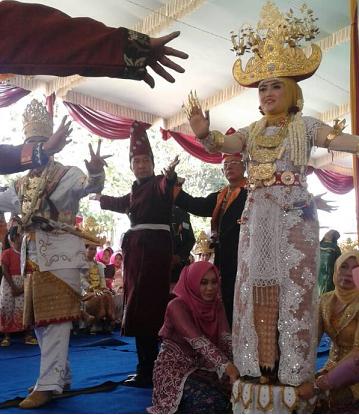 LAMPUNG POST | Festival Adat Budayo Lappung Bumei Tuwah Bepadan Lestarikan Kearifan Lokal