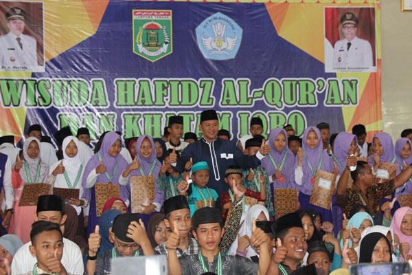 LAMPUNG POST | Bangun Keimanan Generasi Muda, Bupati Mustafa Terus Cetak Hafiz Alquran