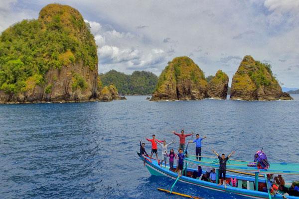 LAMPUNG POST | Pulau Wayang, Raja Ampatnya Lampung