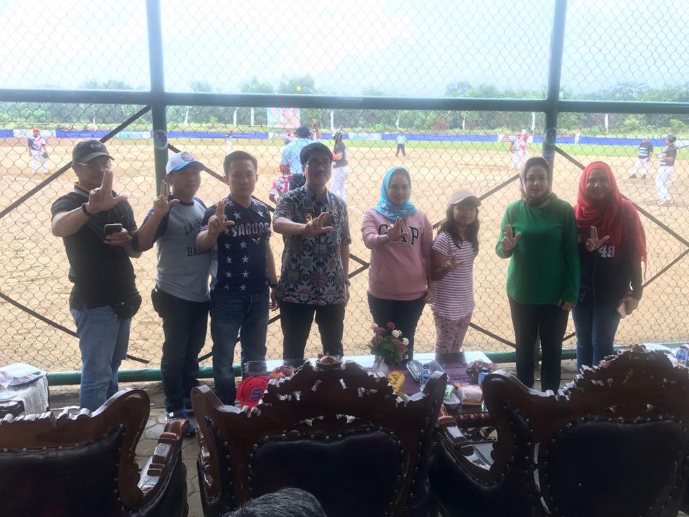 LAMPUNG POST | Gubernur Lampung Dukung Cabor Sofbol-Bisbol