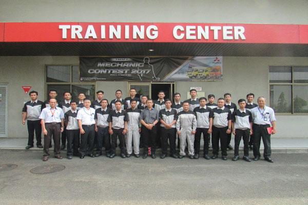 LAMPUNG POST | KTB Gelar Fuso Mechanic Contest 2017