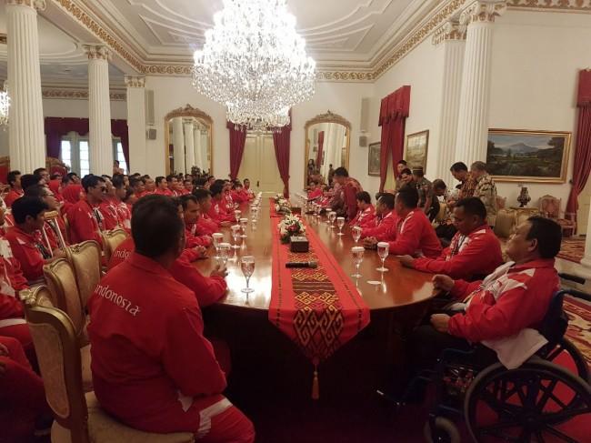 LAMPUNG POST | Presiden Jamu Atlet Para Games 2017 di Istana