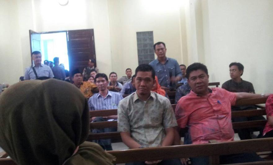 LAMPUNG POST | Dikonfrontir dengan 37 Anggota DPRD, Terungkap Bambang Sengaja Dijebak