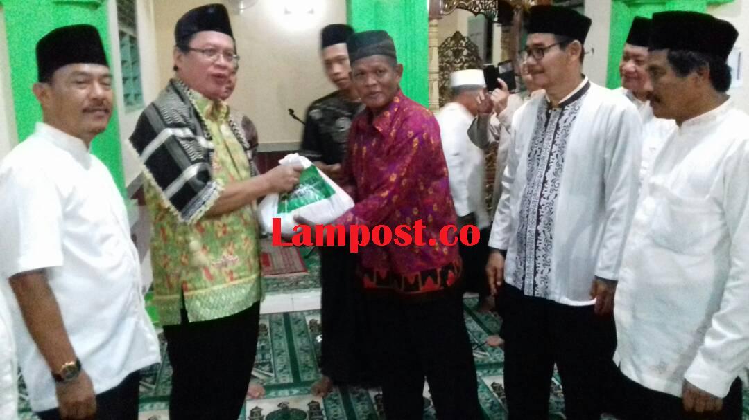 LAMPUNG POST | Tim Baznas Lamsel Safari Ramadan di Ketapang