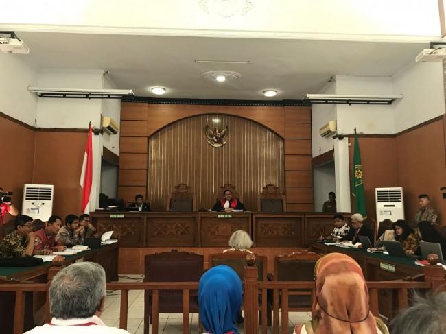 LAMPUNG POST | Pengacara Yakin Hakim Lanjutkan Sidang Praperadilan Setya Novanto