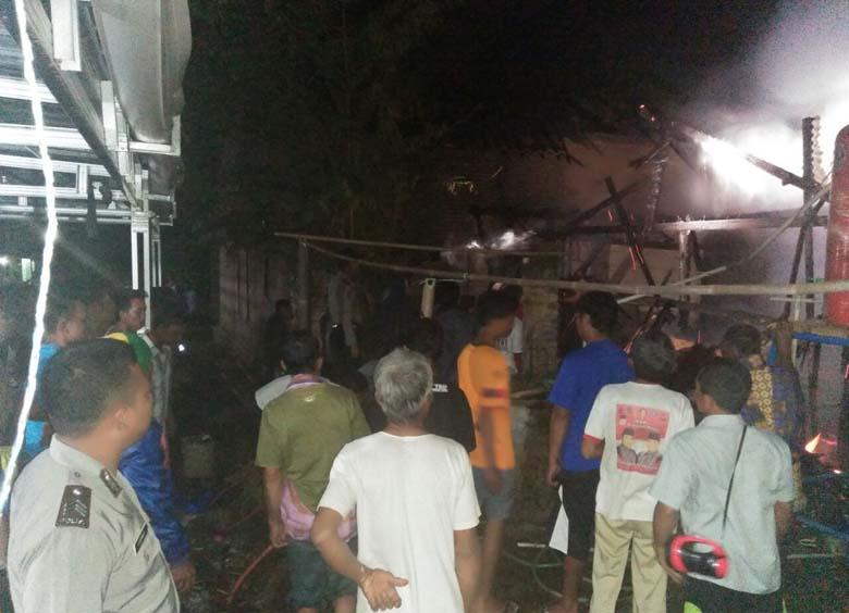 Gara-gara Hangatkan Sapi, Rumah di Sidowaluyo Terbakar