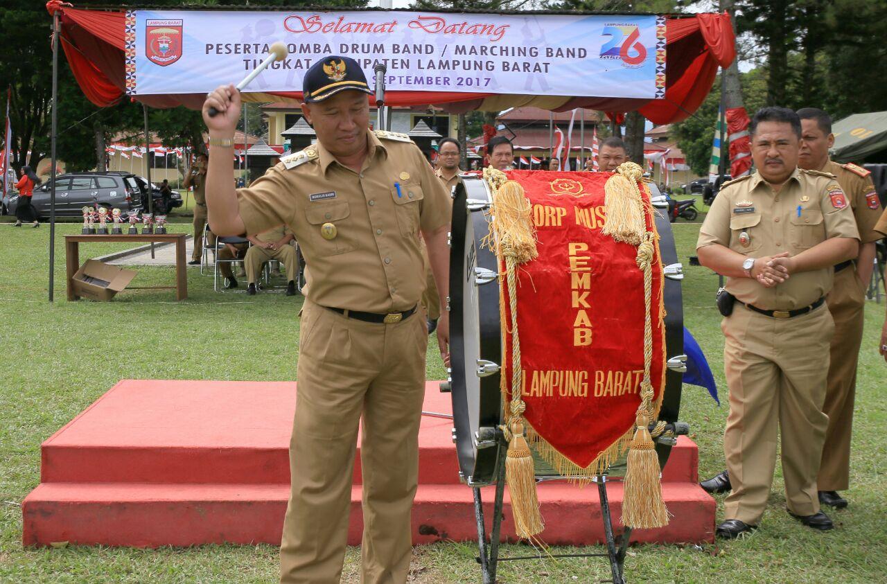LAMPUNG POST | Lomba Marching Band Sambut HUT Lampung Barat ke-26