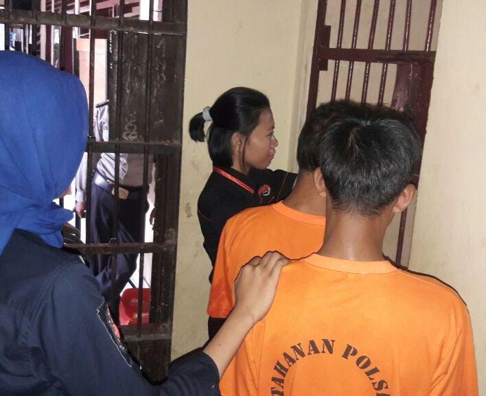 LAMPUNG POST | Curi BBM di Gudang, Dua Pelaku Ditangkap Polisi