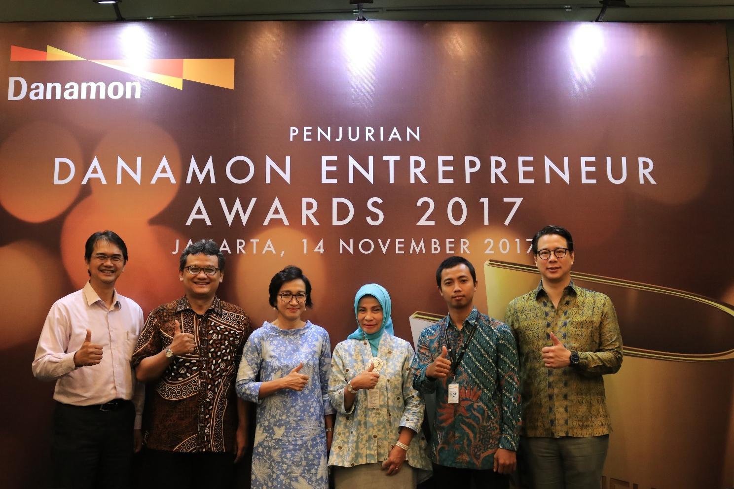 LAMPUNG POST | Lima Pengusaha Raih Danamon Awards