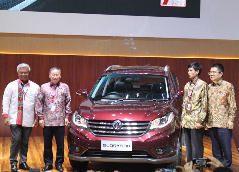 LAMPUNG POST | DFSK Luncurkan SUV Baru di IIMS 2018