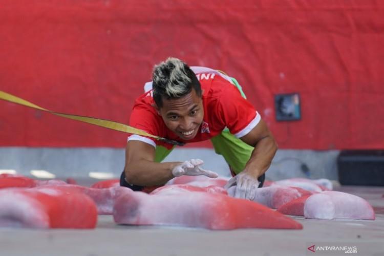 Empat Atlet Indonesia ke Putaran Final Kejuaraan Dunia Panjat Tebing
