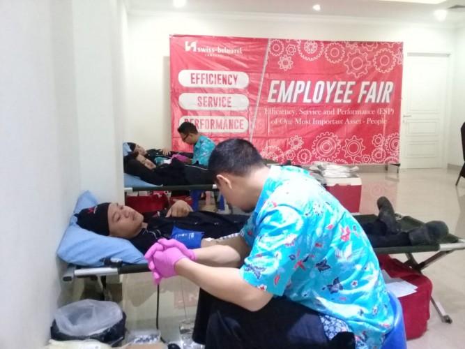 Employee Fair Swiss-Belhotel Kumpulkan 100 Kantong Darah