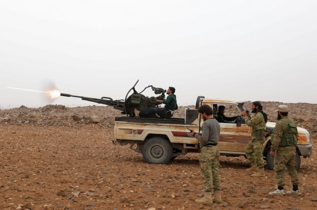 Puluhan Milisi Iran Tewas dalam Serangan Udara di Suriah