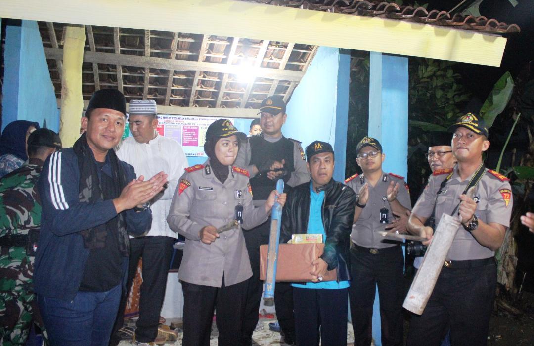 LAMPUNG POST | Pengabdian Masyarakat, Mahasiswa Kepolisian Ronda Bareng Bupati Mustafa