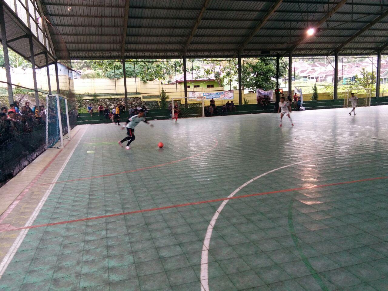 LAMPUNG POST | Raih Poin Sempurna, Futsal Tulangbawang M   elaju ke Semifinal