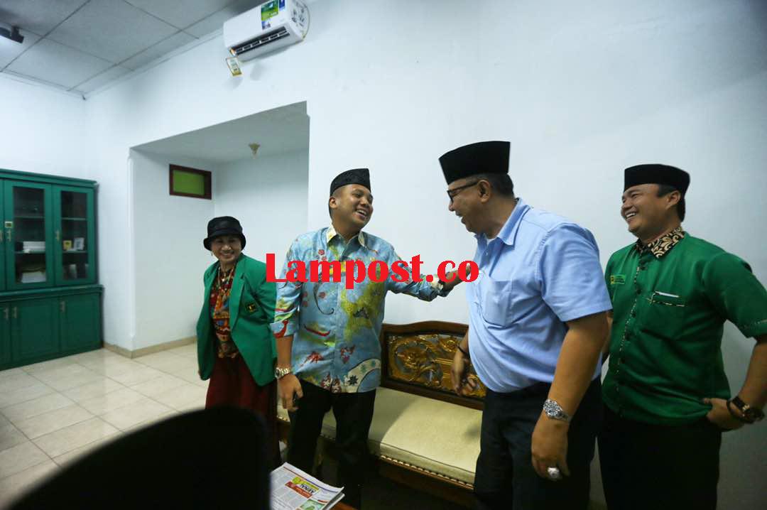 LAMPUNG POST | Ridho, Alzier, Mustafa dan Arinal Berebut Perahu  PPP