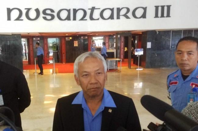 LAMPUNG POST | Kasus Novanto Disebut Tak Pengaruhi Kinerja DPR