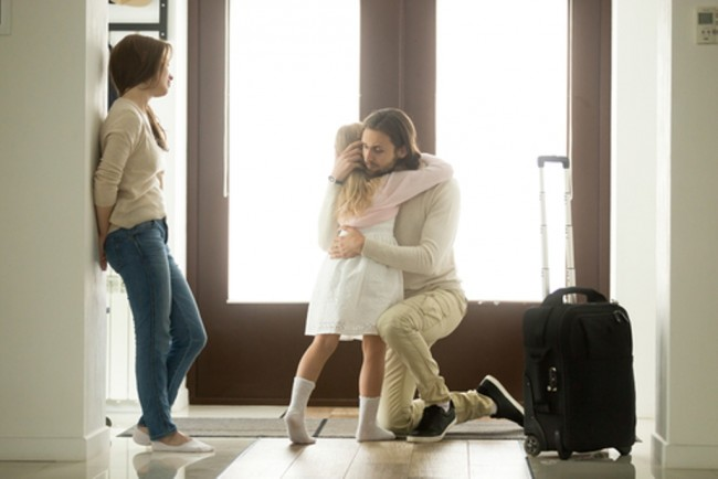LAMPUNG POST   Cara Bijak Membicarakan Perceraian dengan Anak