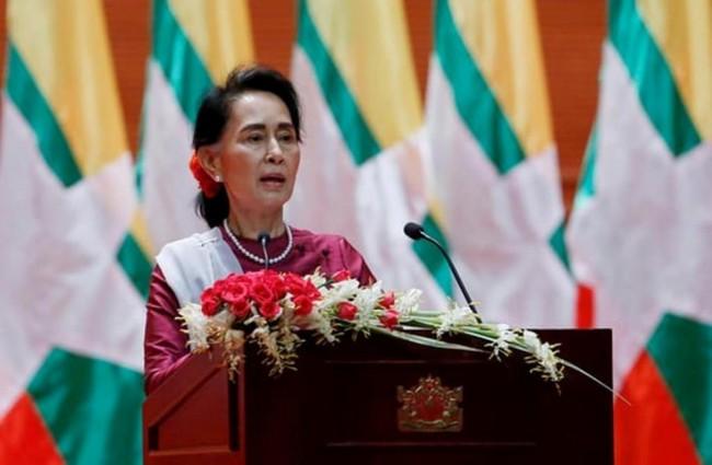 LAMPUNG POST | Suu Kyi Bingung Banyaknya Eksodus Pengungsi Rohingya
