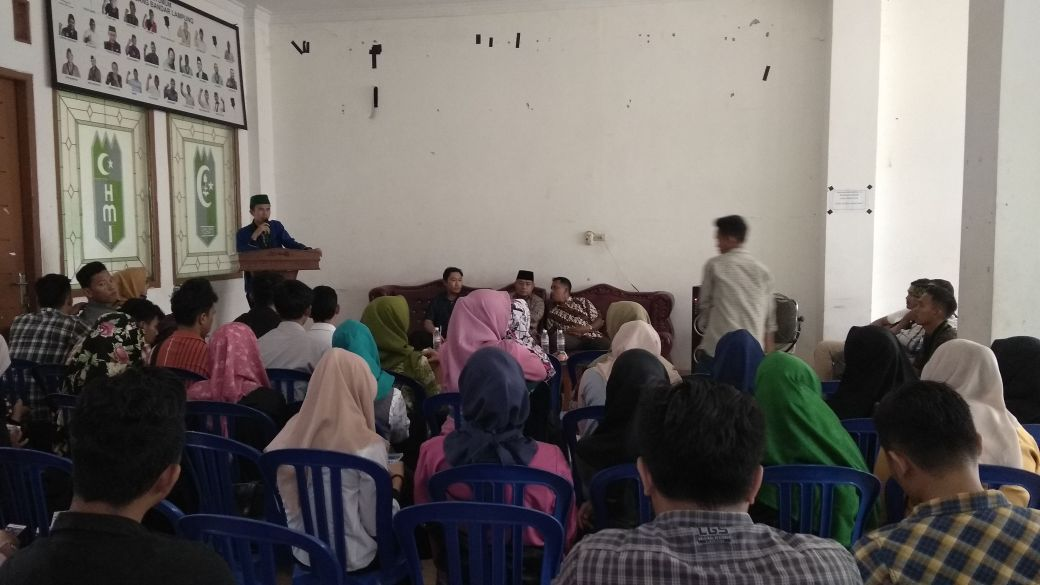 LAMPUNG POST   Forum Mahasiswa Lampung Gelar Diskusi Tolak UU MD3