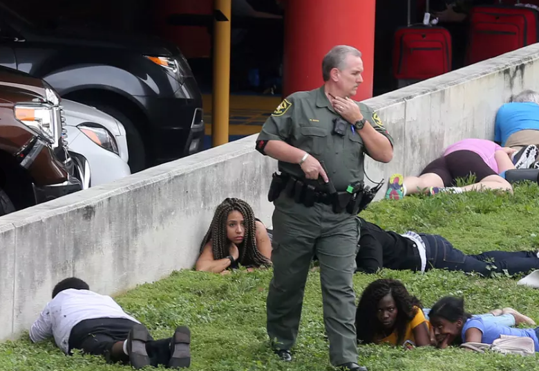 LAMPUNG POST | Ada 14 Korban dalam Penembakan Sekolah di Florida