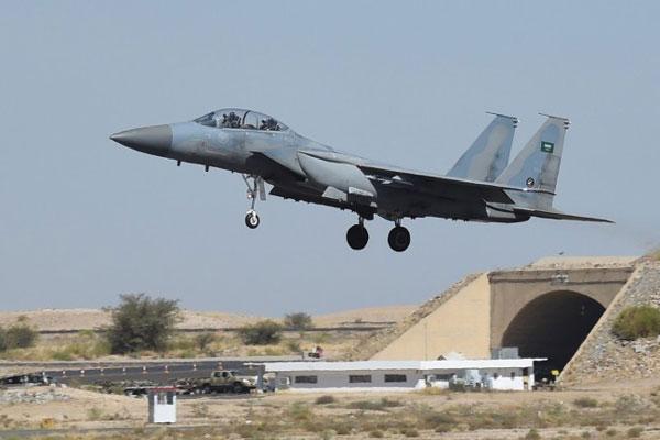 LAMPUNG POST | Pesawat Arab Saudi Ditembak Jatuh Pemberontak di Yaman