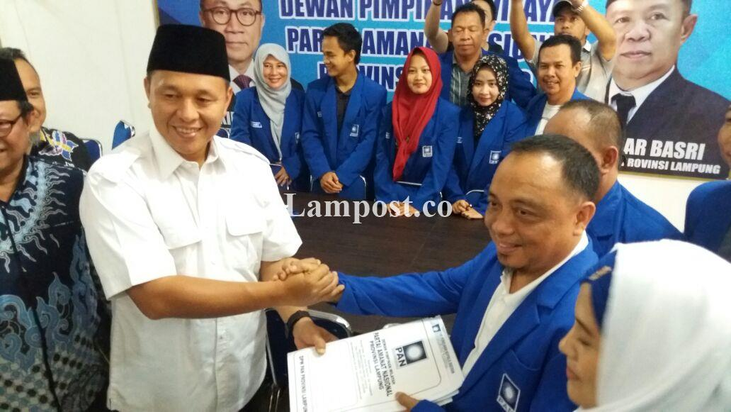 LAMPUNG POST | Mustafa Lobi PAN Gandeng Bachtiar Membangun Lampung