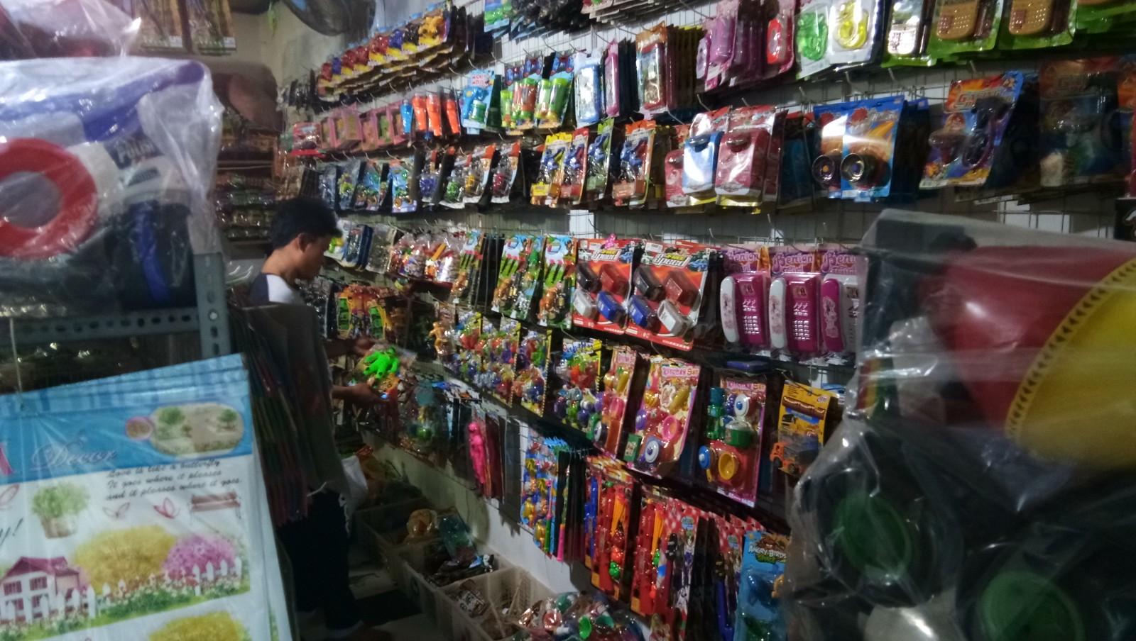LAMPUNG POST | Toko Hati Accecoris Sediakan Mainan Anak Lengkap