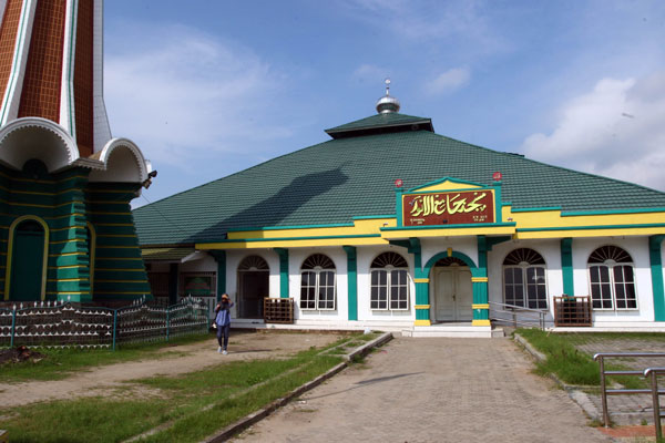 LAMPUNG POST | Kemegahan Masjid Tertua di Lampung