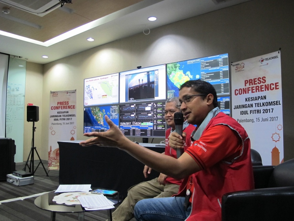 LAMPUNG POST | Hadapi Trafik Lebaran 2017, Telkomsel Perkuat Jaringan
