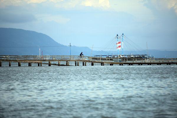 LAMPUNG POST | Jembatan Pulau Pasaran Ambles