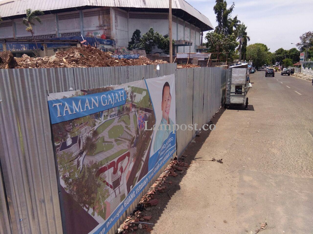 LAMPUNG POST | Warga Apresiasi Pembangunan Taman Gajah  di Enggal