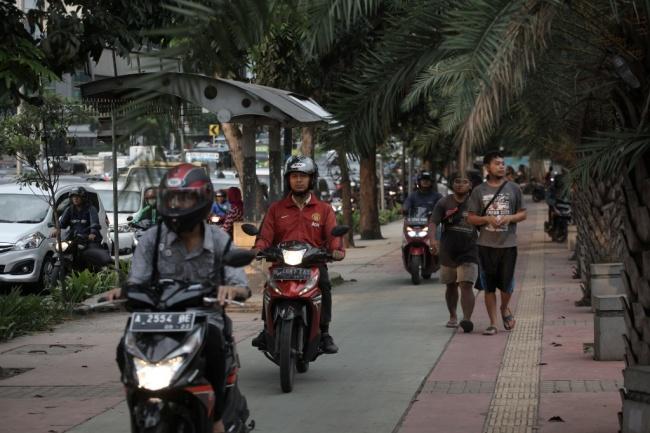 LAMPUNG POST | Ini Alasan Orang Indonesia Malas Jalan Kaki