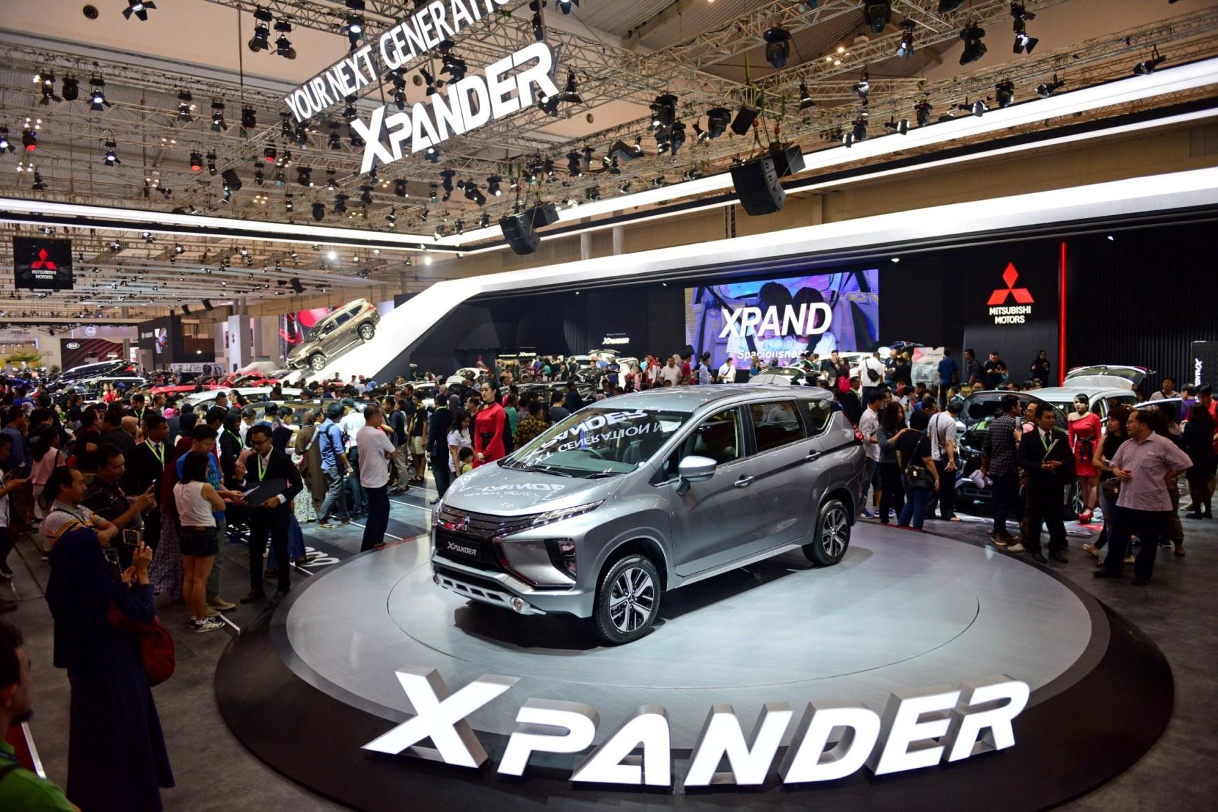 LAMPUNG POST | Mitsubishi Xpander Sabet Predikat Kendaraan Penumpang Favorit di GIIAS 2017