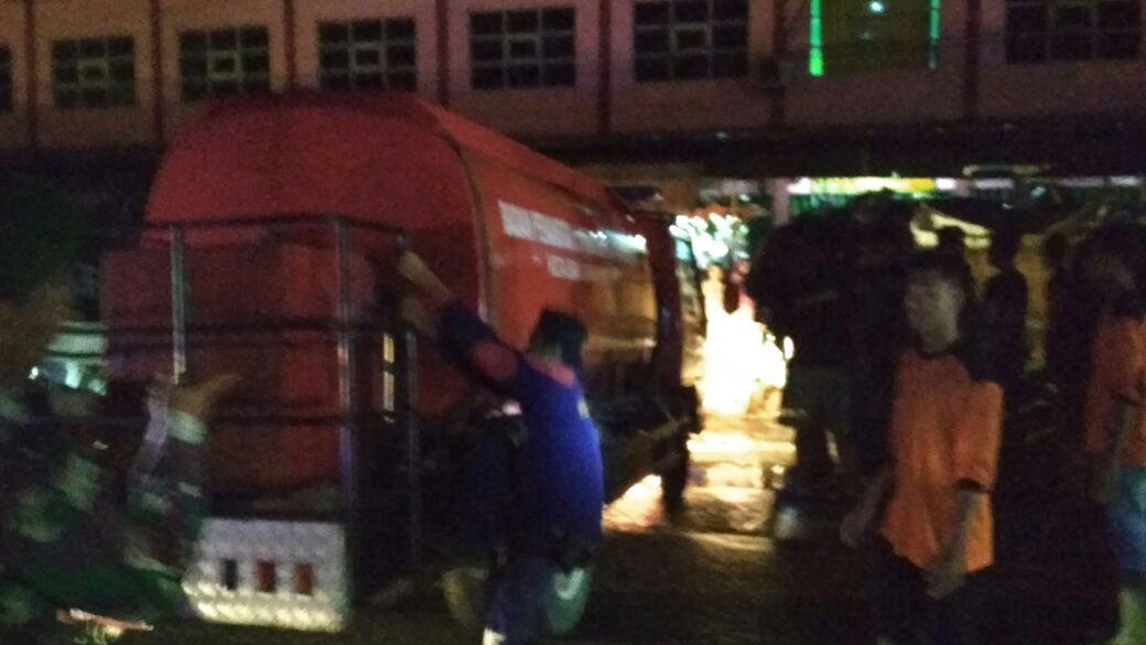 Jalan Sempit, Mobil Damkar Sulit Masuk ke Lokasi Kebakaran