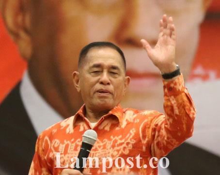 LAMPUNG POST | Menhan Dikukuhkan Sebagai Penyimbang Adat Marga Lampung