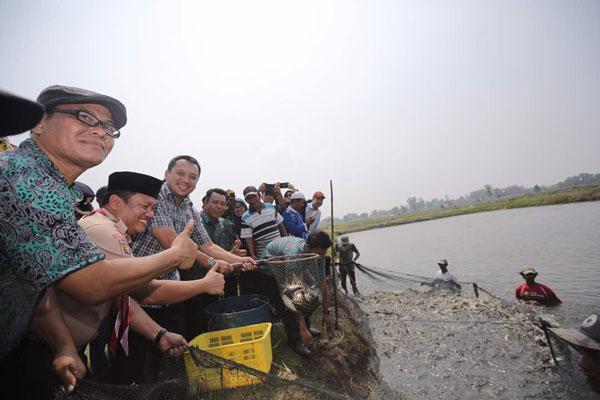 LAMPUNG POST | Pasirsakti Jadi Kawasan Sentra Ikan Air Tawar