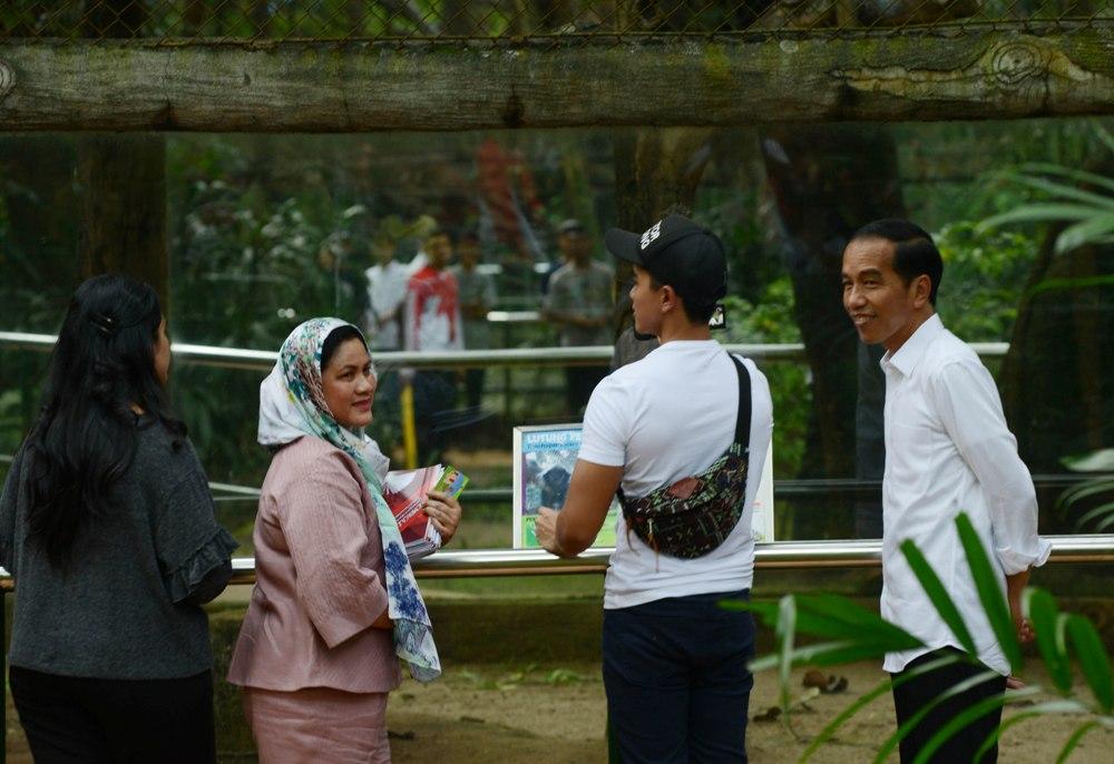 LAMPUNG POST | Jokowi Kunjungi Pusat Primata di Ragunan