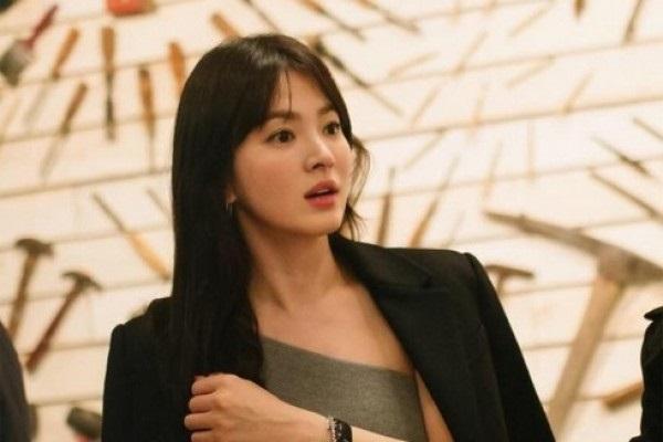 LAMPUNG POST | Song Joong-ki & Song Hye-kyo Foto Prewedding di San Fransisco