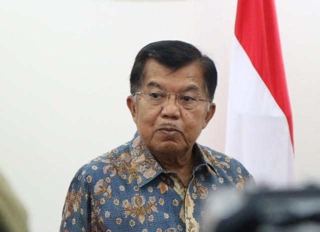 LAMPUNG POST | Wapres JK Bantah Tudingan Prabowo atas Pencitraan Bantuan Rohingya