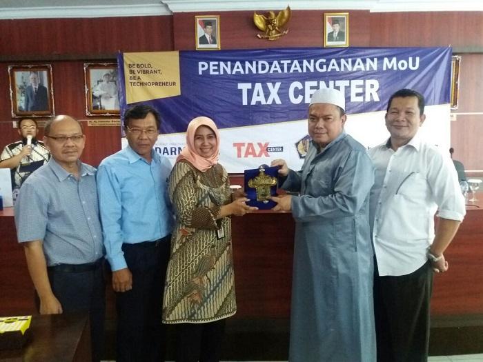 LAMPUNG POST | Tax Center Darmajaya Mudahkan Wajib Pajak