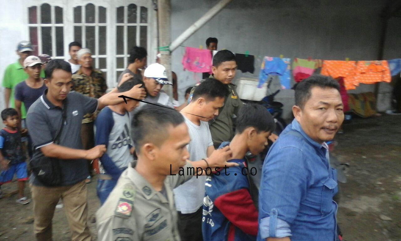 Jambret Ponsel, Dua Pemuda Dikepung Warga di Ketapang