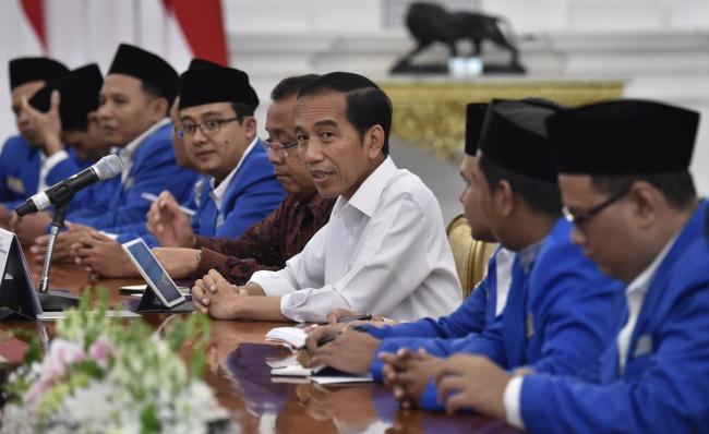 LAMPUNG POST | Jokowi: Stop Saling Hujat, Kita Ini Bersaudara